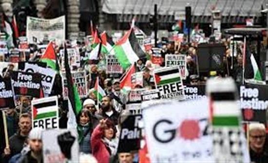 لندن: مسيرة تضامنية مع الشعب الفلسطيني