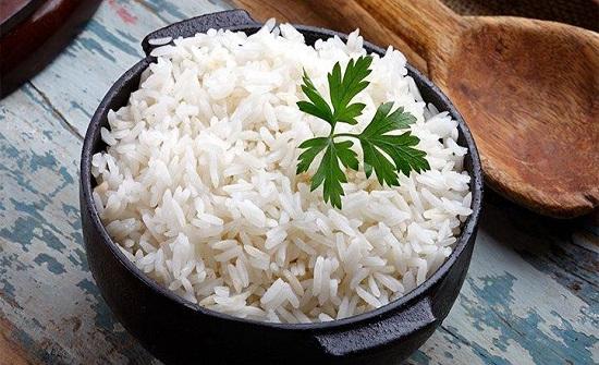 هل يتسبب الأرز في زيادة الوزن؟ طبيب يجيب