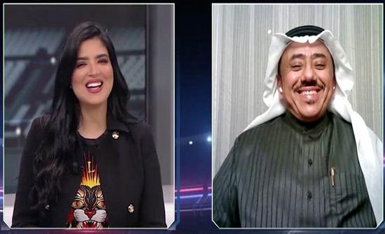 الدغيثر يداعب المذيعة هند بومشمر بوصلة غزل على الهواء .. فيديو