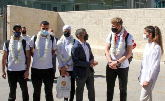الأمير راشد يستقبل ابطال منتخب التايكواندو المكللين بفضية أولمبياد طوكيو