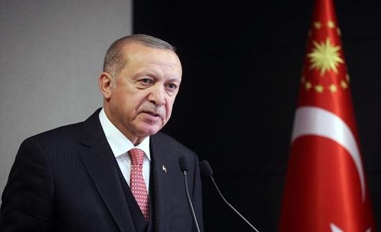 أردوغان يبحث مع ترودو تعليق كندا صادراتها العسكرية لتركيا