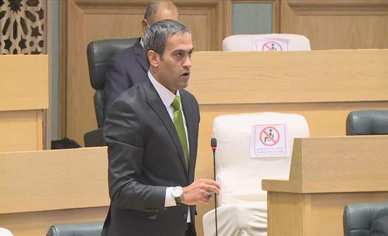 النائب أسامة العجارمة سيتوجه للمحكمة الإدارية بعد تجميد عضويته