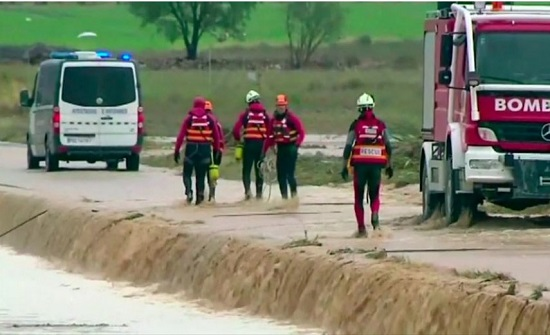 مقتل 3 أشخاص جراء أمطار غزيرة جنوب إسبانيا