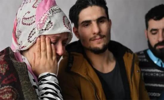 تركيا تجنس سورياً مدحته ناجية من الزلزال