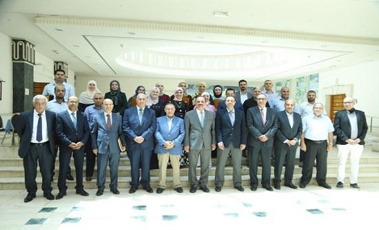 """""""الأردنية"""" تخرج المشاركين من كوادر وزارة الصحة في الدورات الصحية التدريبية"""