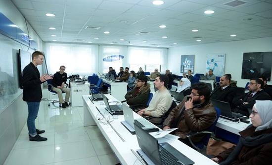 """مركز الابتكار والريادة في """"الأردنية"""" يبحث سبل التعاون مع مؤسسات فنلندية"""