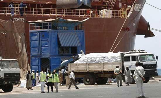 حكومة حمدوك تحذر من كارثة جراء إغلاق ميناء بورتسودان