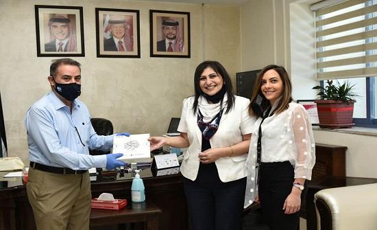 سيتي مول يعايد الطاقم الطبي لمستشفى الأمير حمزة