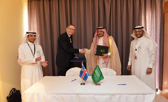 رئيس الطيران السعودي يوقع اتفاقيات نقل جوي في مؤتمر الايكان بالعقبة