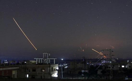 مقاتلات إسرائيلية تطلق 12 صاروخا على مركز أبحاث في حلب