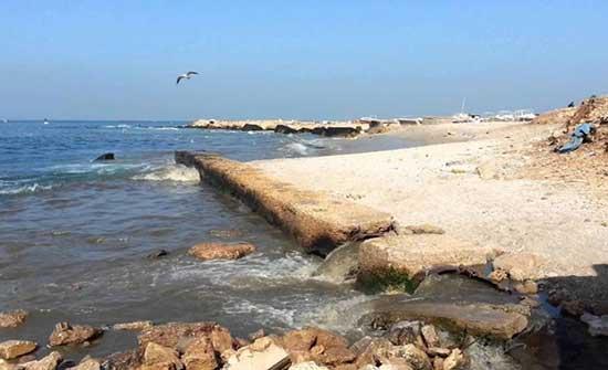 بلدية غزة:سنضطر إلى افراغ مياه الصرف الصحي في البحر