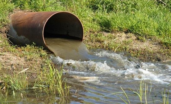 البيئة: تسريب للمياه العادمة بمنطقة التجمعات الصناعية شرقي عمان