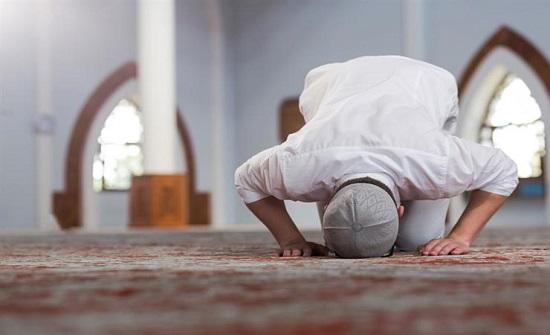 إغلاق المساجد الليلة ولمدة 14 يوما