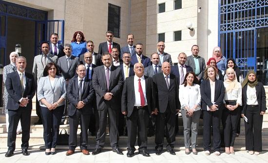 وفد فلسطيني يطلع على مهام وواجبات هيئة النزاهة ومكافحة الفساد