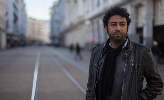"""الغارديان: متاعب لصحفي مغربي كشف """"برنامج تجسس إسرائيليا"""""""