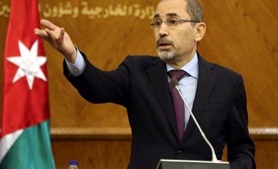 وزير الخارجية ونظيره الإماراتي يبحثان تطوير العلاقات الثنائية