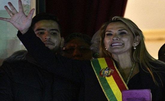 واشنطن تعترف رسميا بجانين آنيز رئيسة انتقالية لبوليفيا