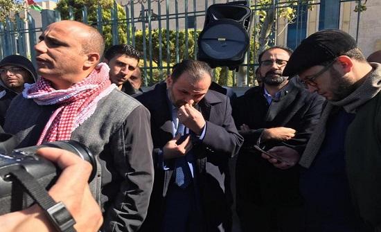 بالصور : اعتصام لمعلمي الكرك للافراج عن العضايلة والذنيبات