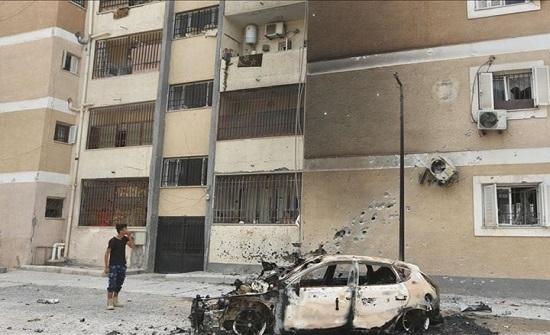 5 قتلى في قصف لحفتر على سكن للنازحين جنوبي طرابلس