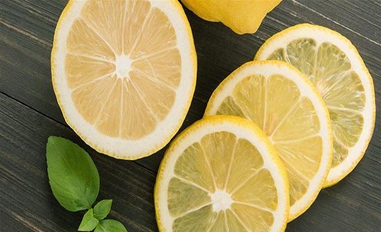 يحد من خطر السرطان ويخفض الوزن... 6 فوائد لا تعرفونها عن الليمون