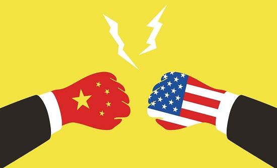 الصين تفرض قيوداً على وسائل إعلام أميركية