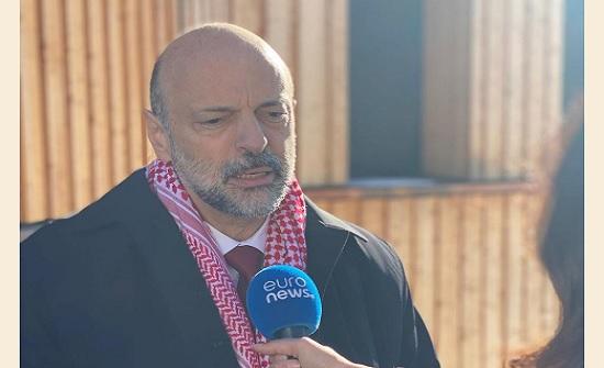 الرزاز : الإستقرار السياسي للأردن يعود لجهود الملك وعلاقاته الدولية القوية