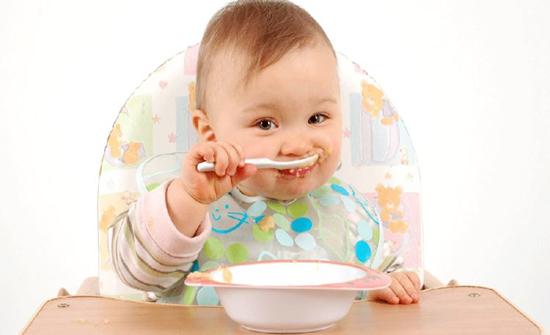 احذر 95% من أغذية الأطفال المصنعة تحوي سموماً