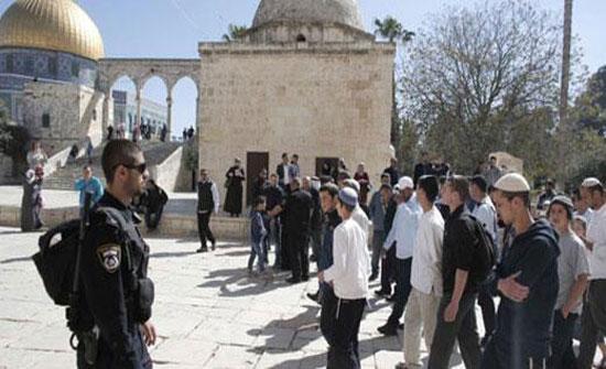 مستوطنون متطرفون يقتحمون المسجد الاقصى