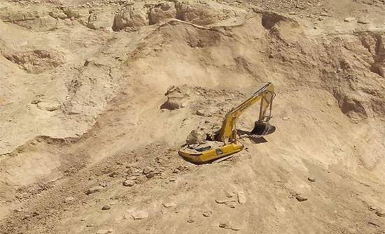 إصابة شخص إثر انهيار اتربه عليه داخل احدى الكسارات في محافظة الزرقاء