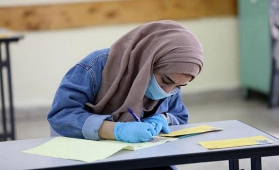 """التربية: 246 شخصا لم يدخلوا قاعات امتحان """"تكميلية التوجيهي"""" بسبب كورونا"""