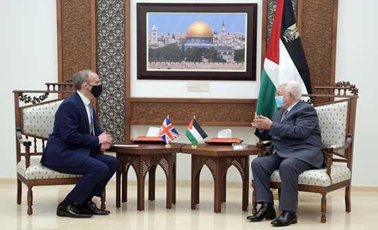 عباس يبحث مع وزير الخارجية البريطاني تثبيت التهدئة وإعمار غزة