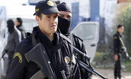 في الجزائر .. أب يقتل زوجته و 3 من أولاده بطريقة مروعة