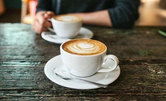 علماء: شرب القهوة يقلل من خطر الإصابة بالسرطان