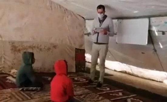 المعلم البدور يجوب خيم عفرا والبربيطة بالطفيلة لتعليم الطلبة