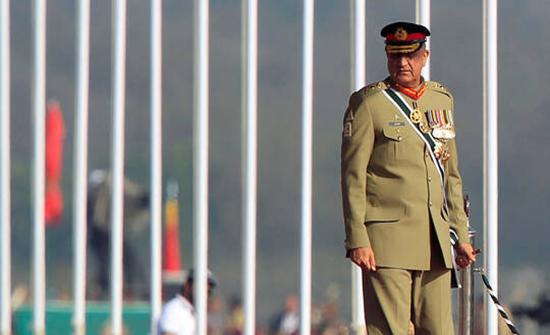 رئيس الأركان الباكستاني: موسكو وإسلام آباد وقعتا عقودا لتوريد أسلحة