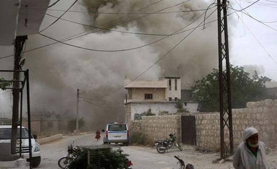 بالفيديو : مقتل 6 مدنيين بينهم طفل بغارات روسية على ريف إدلب