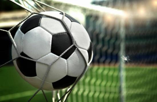 فوز المنتخب الوطني لكرة القدم على نظيره البحريني