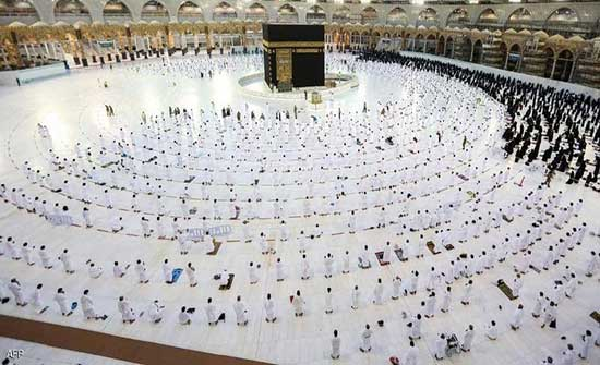 """السعودية.. شرط جديد للحصول على """"تصاريح أداء العمرة"""""""