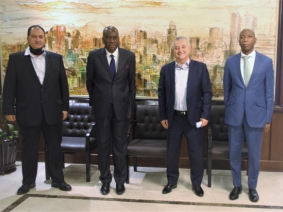 صناعة عمان تبحث تعزيز العلاقات الاقتصادية مع أنغولا