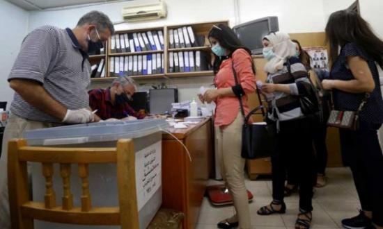 انتخابات تشريعية في سوريا وسط أزمة معيشية حادة