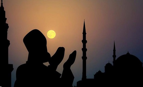 دائرة الإفتاء : يحرم في رمضان الأكل والشرب مع بدء الأذان الثاني