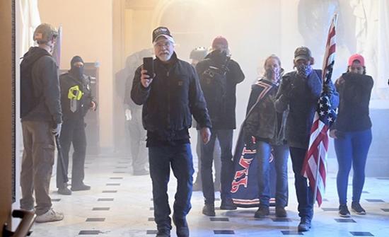 """مشرعون أميركيون يتهمون أنصار ترمب بمحاولة """"إنقلاب"""""""
