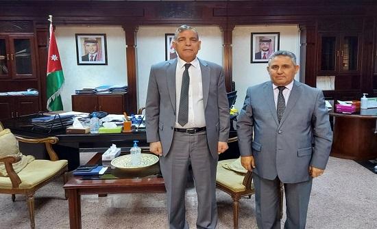 وزير الصحة يبحث مع نقيب المهندسين الزراعيين التعاون الثنائي
