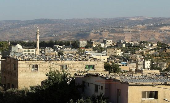 """نصف سكان مخيم جرش يقطنون بمنازل مسقوفة بألواح """"زينكو"""""""