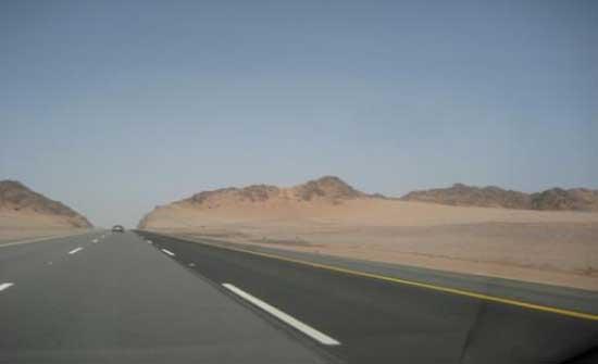 الامن : لا اغلاق على الطريق الصحراوي