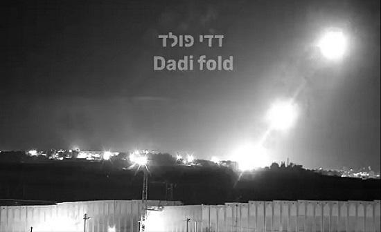 لحظة اطلاق المقاومة عشرات الصواريخ باتجاه أسدود وعسقلان .. بالفيديو