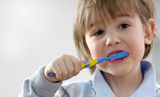 دراسة: تنظيف الأسنان يقي من الرجفان الأذيني وقصور القلب