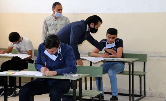 أمينا عامي التربية يتفقدان سير امتحان الثانوية في الطفيلة والكرك