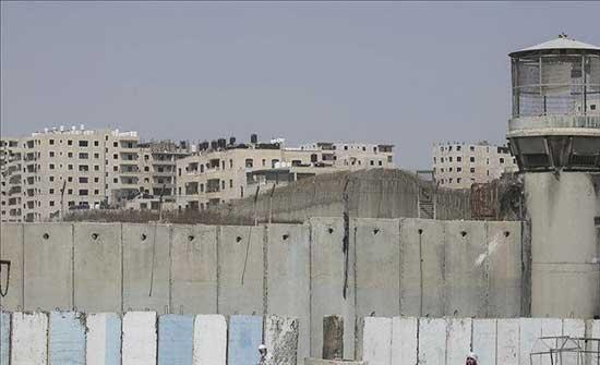 إسرائيليون يشرعون في بناء بؤرة استيطانية جنوبي الضفة