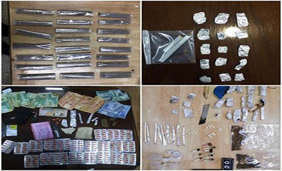 ضبط 16 مروجا للمخدرات بحوزتهم 5 أسلحة نارية